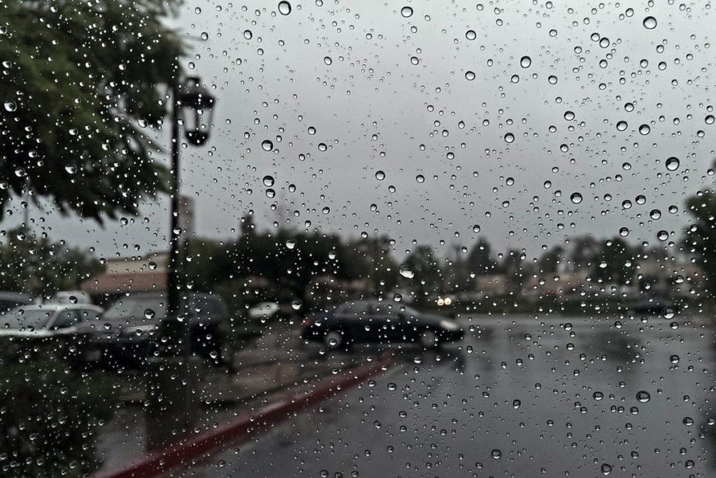 نزول الأمطار