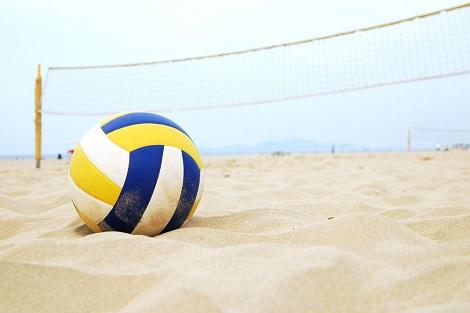 الكرة الطائرة على الرمال